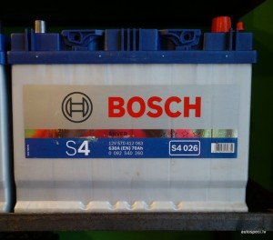 Akumulators Bosch 70Ah 630A