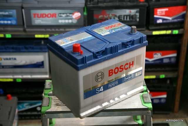 Akumulators Bosch 70Ah 630A Rev