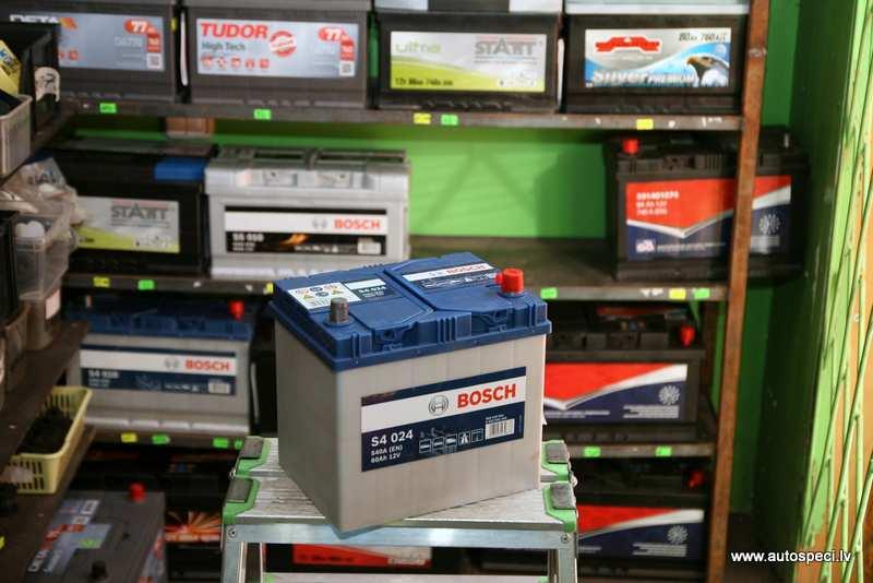 Akumulators Bosch Silver 60Ah 540A japanu